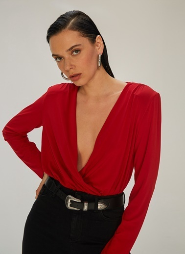 NGSTYLE Kruvaze Kapamalı Bluz Kırmızı